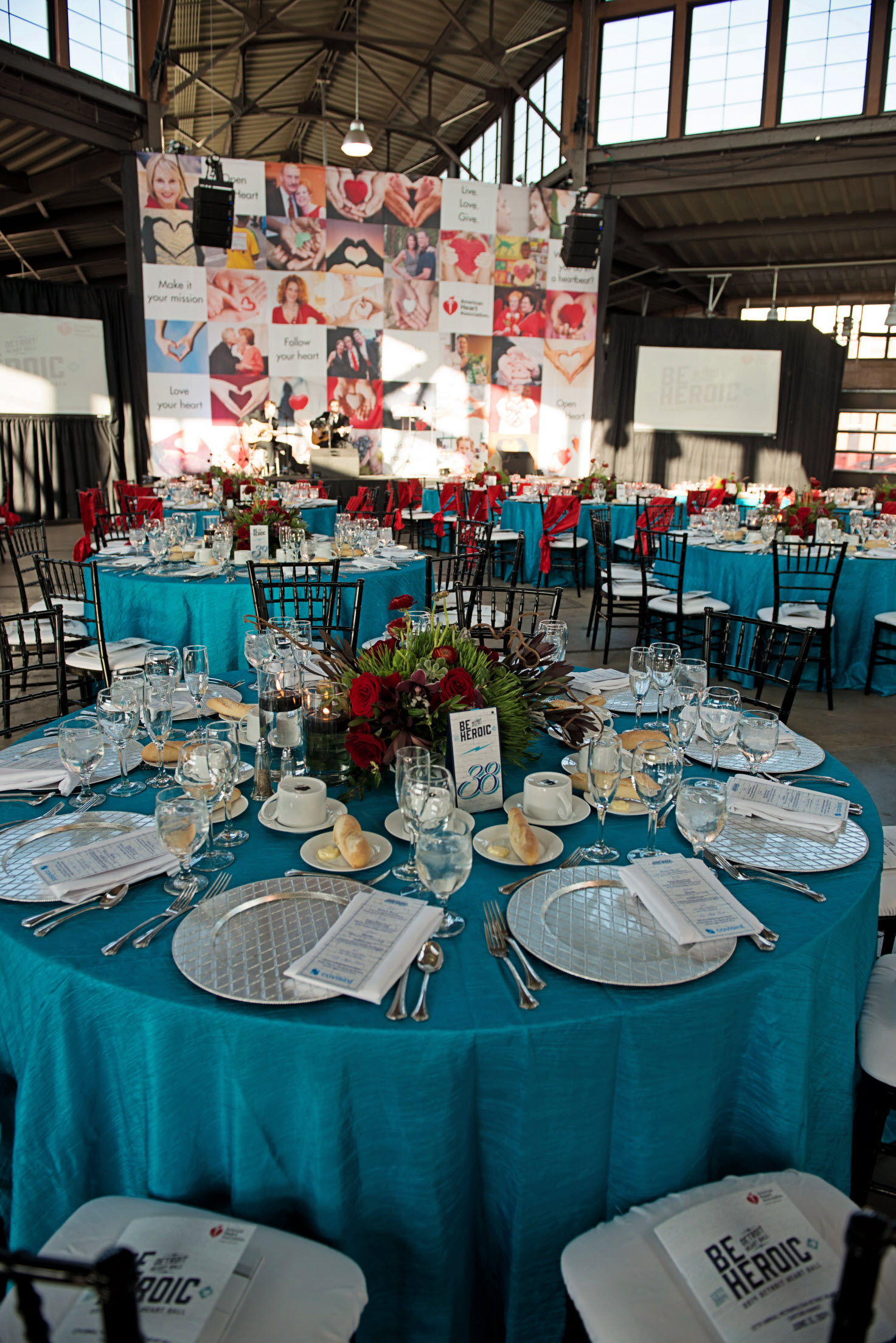2014 Detroit Heart Ball table set up